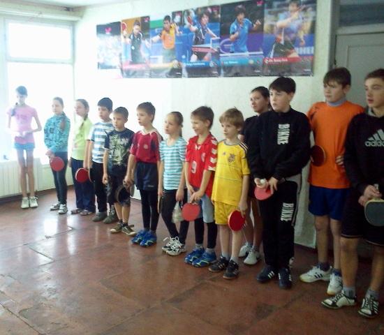 Участники готовы к борьбе. Построение спортсменов вначале турнира