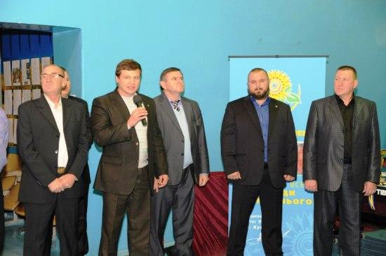 Северодонецк. Организаторы турнира по настольному теннису