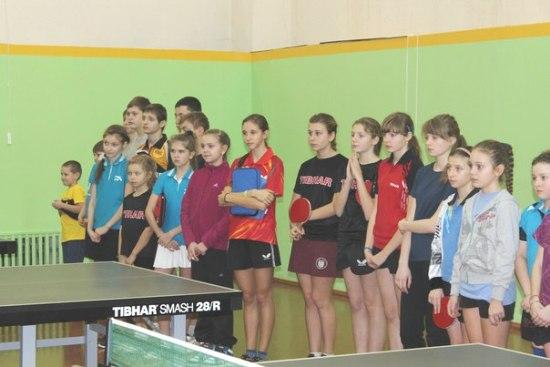 Ялта, девочки, настольный теннис