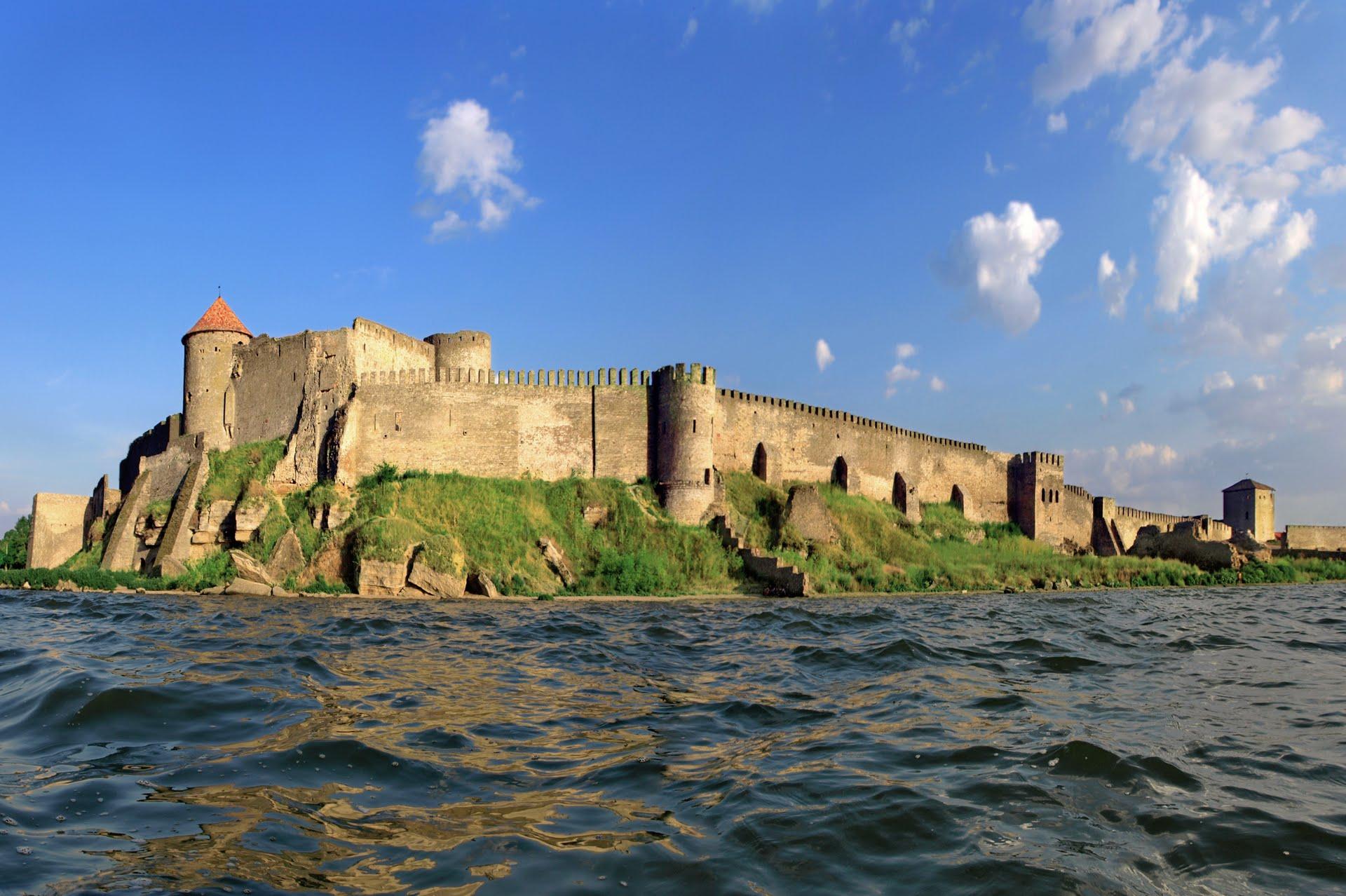 Такую крепость с моря не возьмешь! Вот почему Белая крепость считалась неприступной!