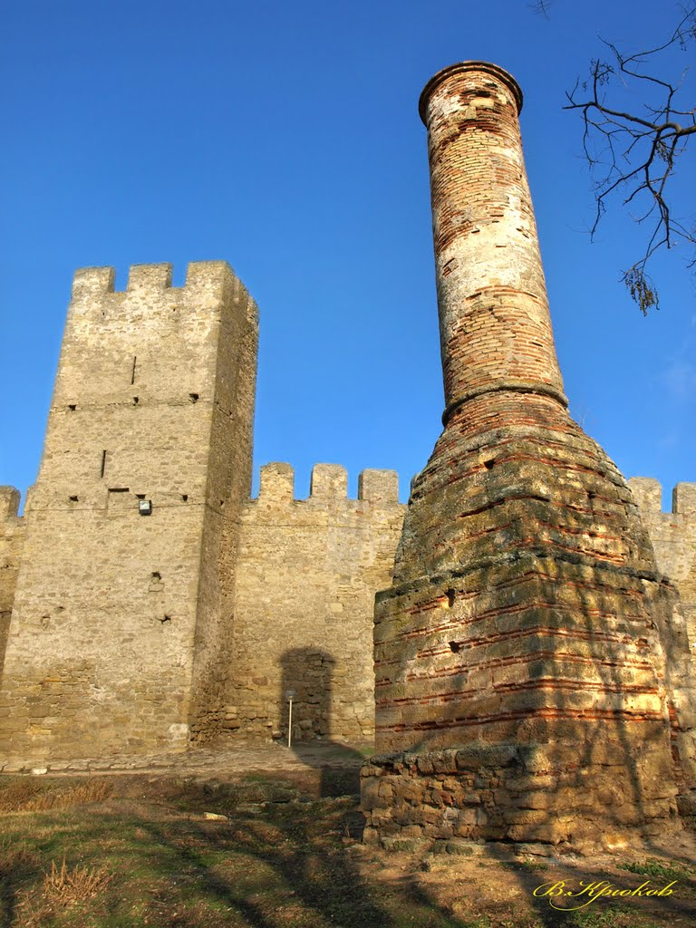 Старинные сооружения вблизи неприглядны... Но зато издали великолепны! История не щадит каменные здания