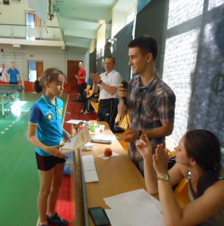 Награждается самая молодая участница соревнования - Вика Васимчук из Славуты