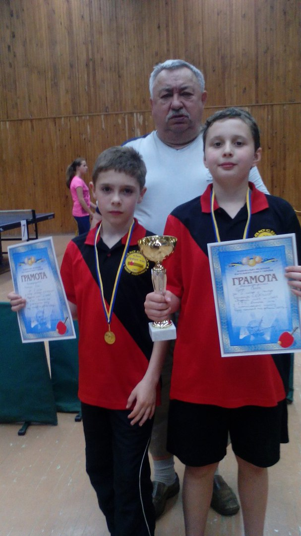 Победители: Олег Напирко, Орест Гура и тренер Н.Н. Шацких