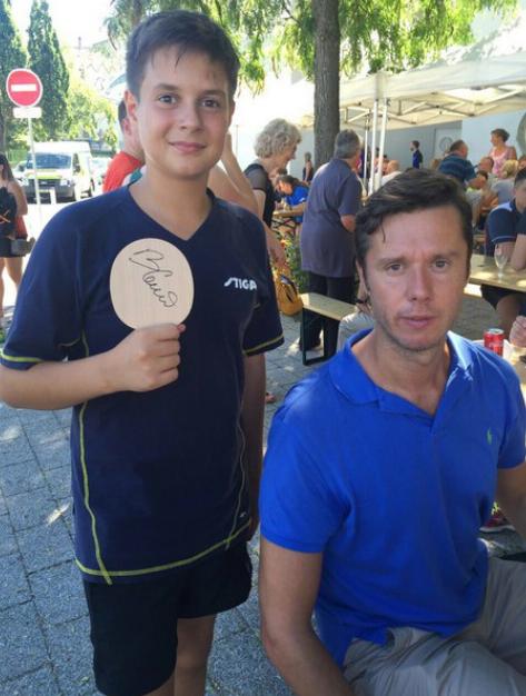 Во второй день соревнований юных игроков приехал поприветствовать Владимир Самсонов. Наш Глеб Яковлев и знаменитый белорусский теннисист